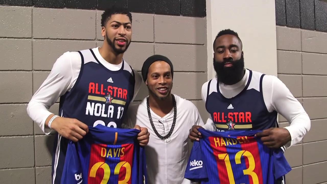 Ronaldinho Meets NBA All Stars - YouTube ef883c898