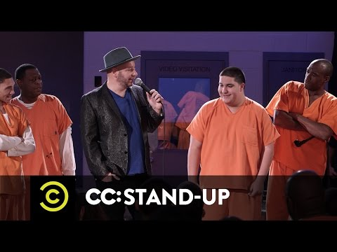 Jeff Ross Roasts Criminals: Live at Brazos County Jail - Speed-Roasting Prisoners - Uncensored from YouTube · Duration:  2 minutes 39 seconds