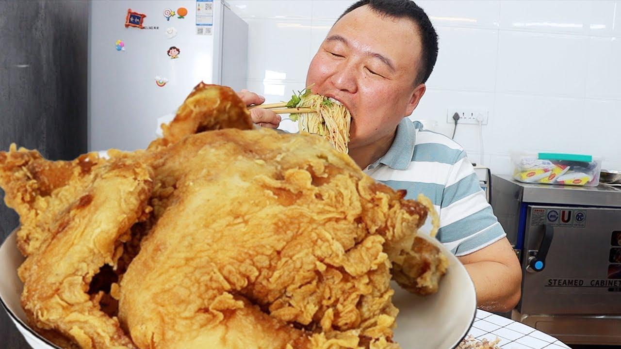 阿强秘制炸全鸡,连腌带炸4小时,表皮金黄,外酥里嫩,美味呀~【cram阿强】