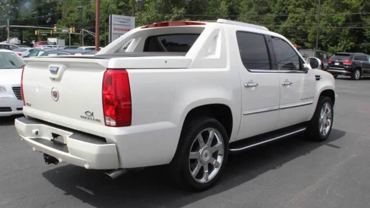 Pre Owned 2009 Cadillac Escalade Ext Diamond White Awd 4 Door