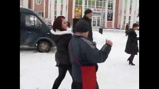 """Прикольные танцы возле """"Октября"""""""