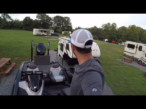 Topwater In 70 Feet Of Water!! Smith Mountain Lake BFL Bass Fishing Tournament Prep