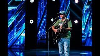 Mihai Marin canta piesa &quotDoar noi doi&quot, compozitie proprie, la X Factor