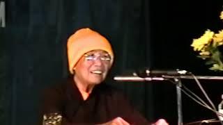 Đức Phật là con người vì con người HT Thích Thanh Từ Hội LHKH UIA Hà Nội 25 11 1997