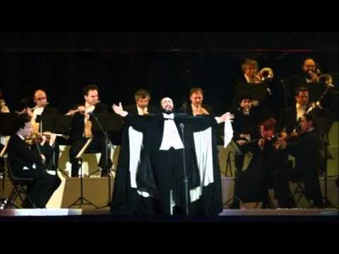 Top 5 Italian Opera Songs Sung By Luciano Pavarotti
