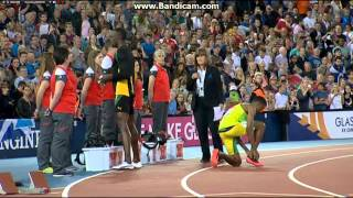 Usain Bolt engages kit girl at commonwealth games 2014