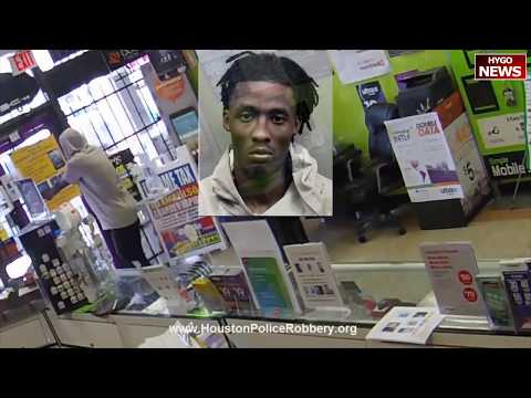 Robber drops to his knees to pray after getting locked in Houston store streaming vf