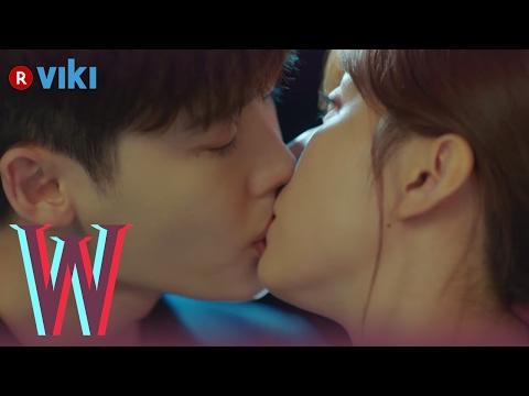 W - EP 5 | Lee Jong Suk & Han Hyo Joo's Rooftop Kiss
