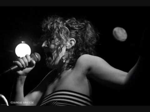 Oona-Tore My Heart (Demo)