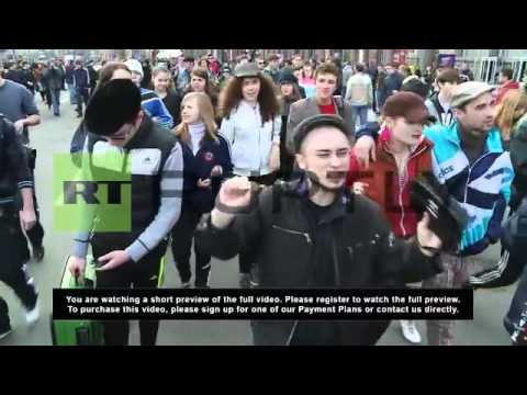 Ukraine: 90's flashback as 'Gopniks' dance through Kiev