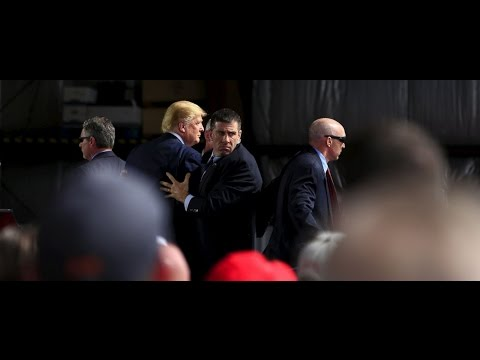 Trump Secret Service Rush To Stage At Ohio Rally