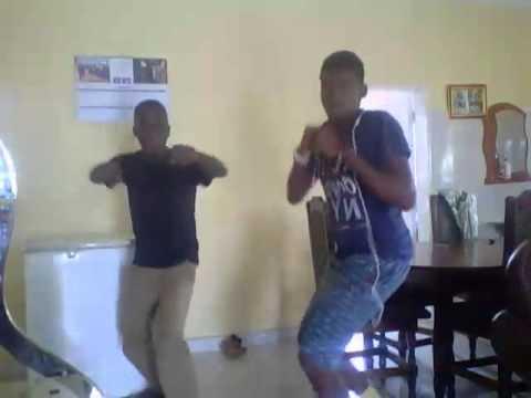 Dancing to icekid unikonde