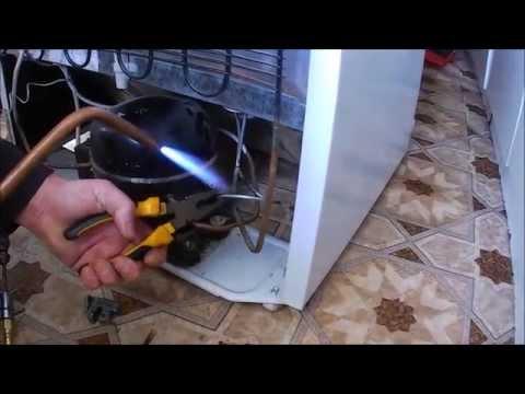 Ремонт холодильника, устранение утечки по контуру обогрева / Refrigerator repair