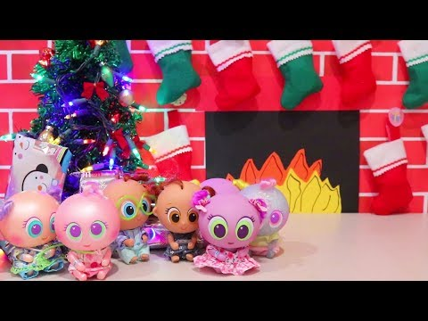 Christmas Presents ! Toys and Dolls Fun for Kids Opening Blind Bags - Baby Doll Play