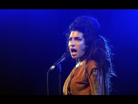 Amy Winehouse - Benicássim 2007( FULL CONCERT )