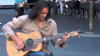 Street Busker - New Zealand Guitarist Performing - Qvb Sydney Australia Hd (pt 2)