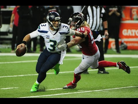 Russell Wilson DISTRACTED By Future, Trips Over His Own Lineman For Safety
