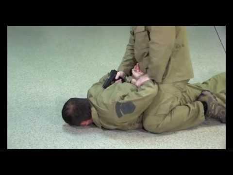 ШКОЛА ОБЕЗОРУЖИВАНИЯ (Обезоруживание при угрозе пистолетом урок-8)