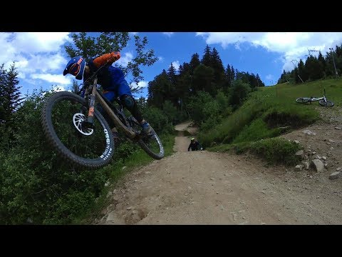 VTT DH//Gros Ride en bike park entre potes//