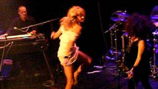 Nouvelle Vague-Too Drunk To Fuck
