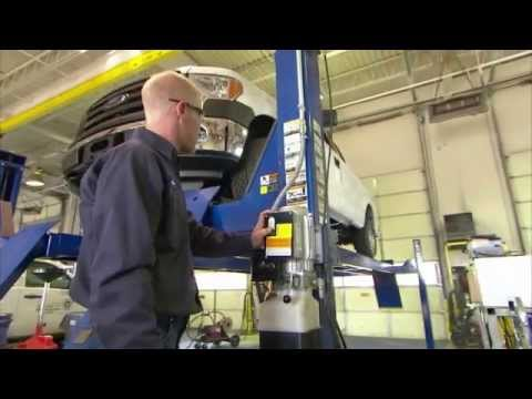 Rush Truck Centers Service Technician Career Opportunities