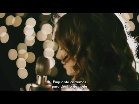 Jacqueline Emerson canta