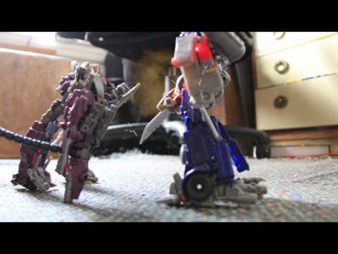 optimus prime vs shockwave (Stop motion)