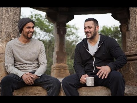 Sultan Sets | Salman Khan and Randeep Hooda's Post Shooting Shenanigans