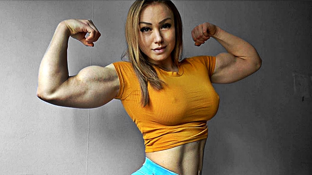 Muskel Babe Bizeps Flexing
