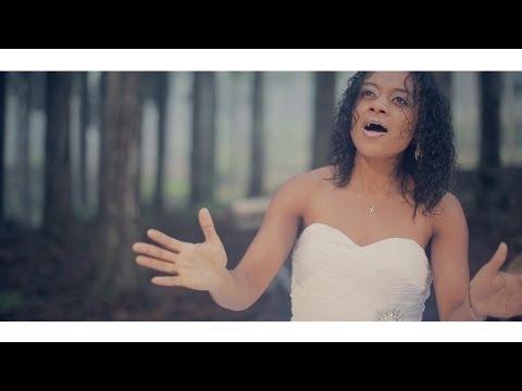 Jolynhson Darencourt Feat. Class Harmony - Viv' Nout Maloya