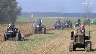 Pflügen mit historischen Traktoren in Axien 6-6 plowing with historic tractor