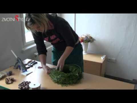 bf926a7a2 Výroba dušičkového věnce - YouTube