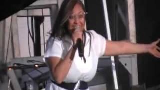 Raven-Symoné em Stockton, CA (San Joaquin County Fair) em 26/06/2009 - Parte 6