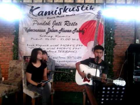 Melly Goeslaw feat Ari Lasso - Apa Artinya Cinta (Nur & Ade at ...