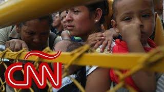 Bartolo Fuentes niega haber organizado la caravana de migrantes: