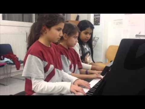ARA VE NADAL for piano group from PIANISSIMO (ed. Boileau) by Imma Jorba