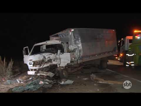 VÍDEO: Colisão entre veículos de carga deixa uma vítima fatal na BR 163 em Diamantino
