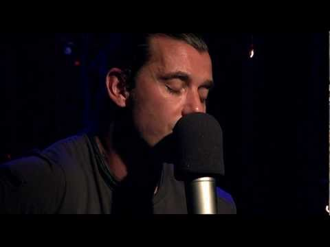 "BUSH ""Glycerine"" live at RADIO 94.7"