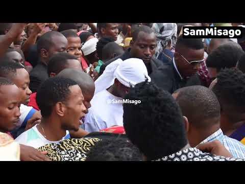 FULL VIDEO: DIAMOND PLATNUMZ Alivyotokea KUUAGA Mwili wa  MZEE MAJUTO!
