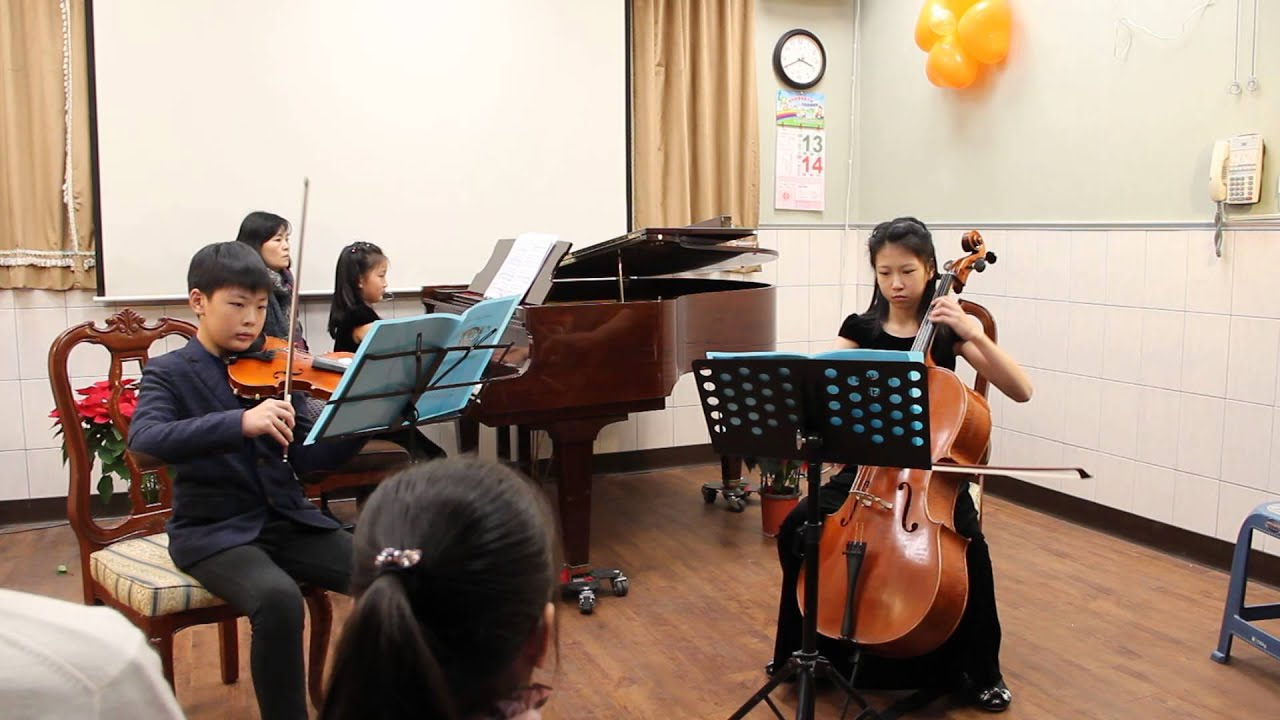 103.12.13中崙週末音樂會--鋼琴三重奏(貝多芬:降B大調第七號鋼琴三重奏 作品97) - YouTube