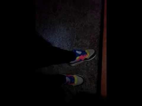 Мужик купил кроссовки