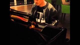 Илья Прусикин - Мастер игры на рояле