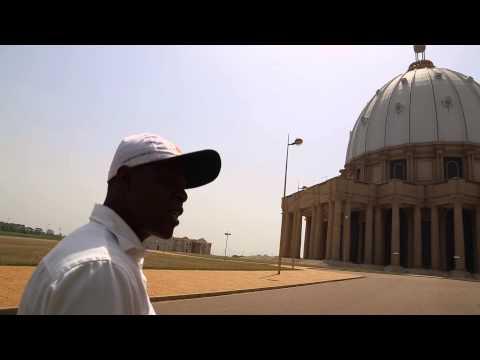 Côte d'Ivoire Yamoussoukro Guide de la basilique Notre Dame de la paix / Ivory Coast Guide basilica