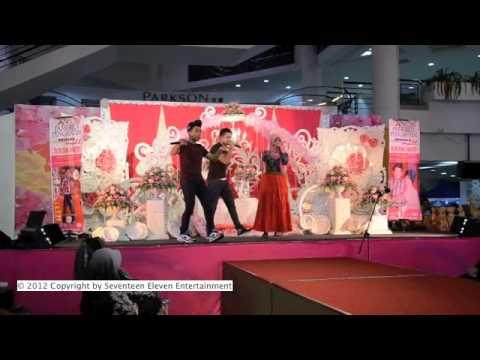 SleeQ ft. Najwa Latif - Untuk Dia | Live at Melaka Mall