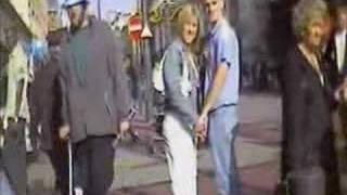 3 non blondes clip 2