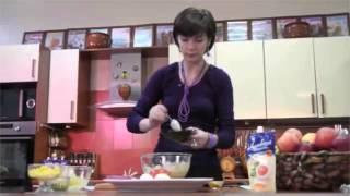 Салат из редиса, яиц, помидор,кукурузы
