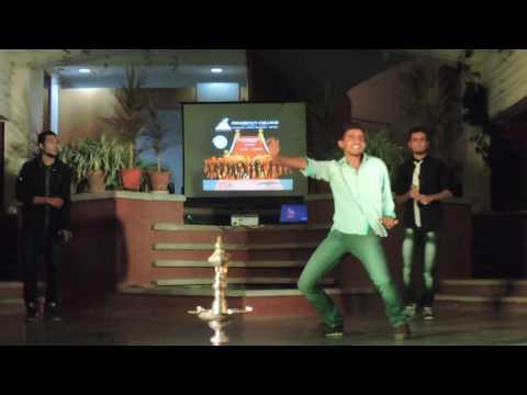 Amazing Dance    India   ®    REVA REVA