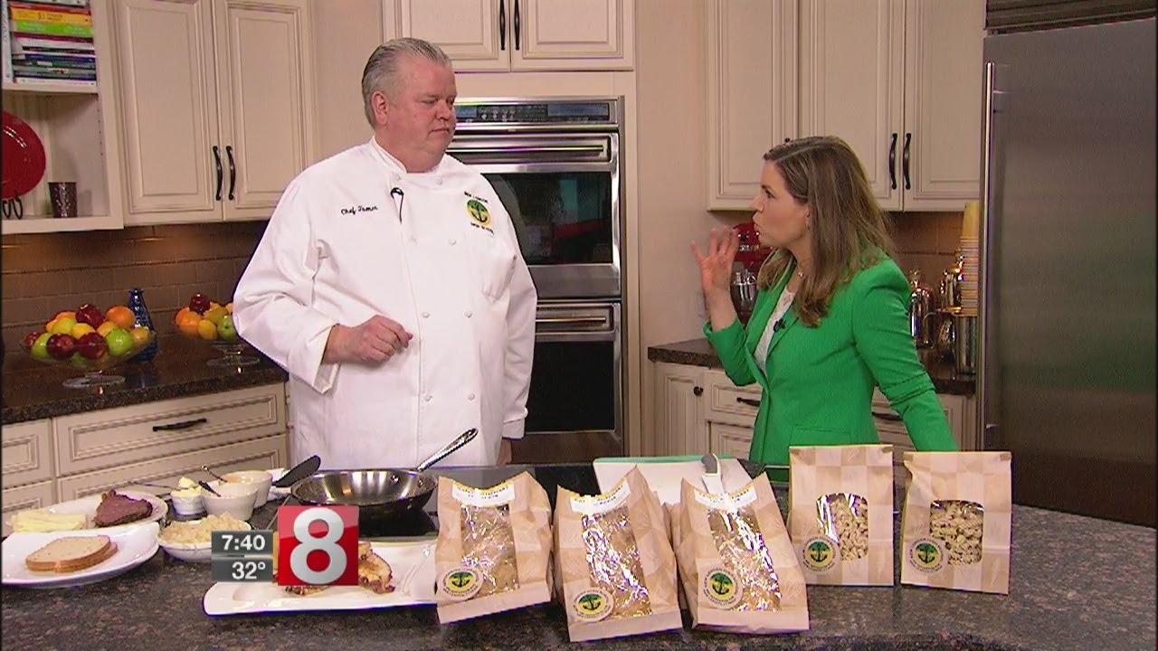 Corn Beef and Cabbage in celebration of St. Patrick's Day - Dauer: 4 Minuten, 58 Sekunden