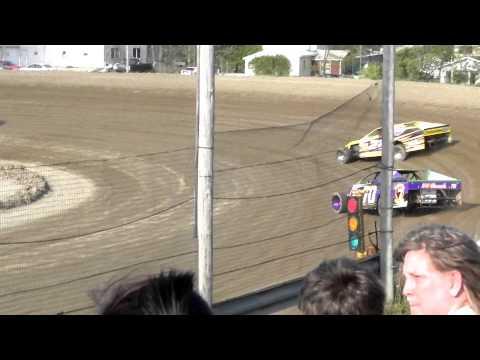 Bemidji Speedway 2012 Season Opener WISSOTA MWM Heat #1