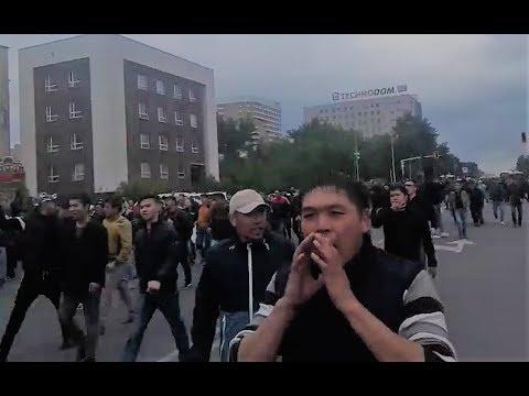 """Шествие в Астане. Люди кричат: """"Шал, кет!"""" 9.06.2019 / БАСЕ"""
